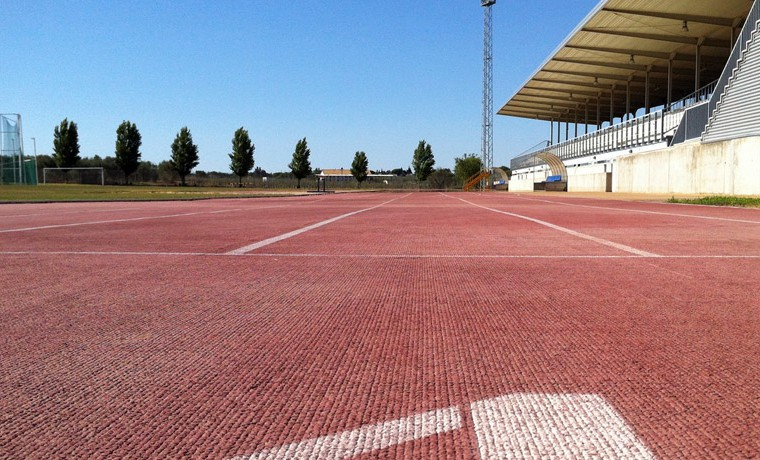Centro deportivo en ciudad deportiva de umbretebm2 for Gimnasio umbrete