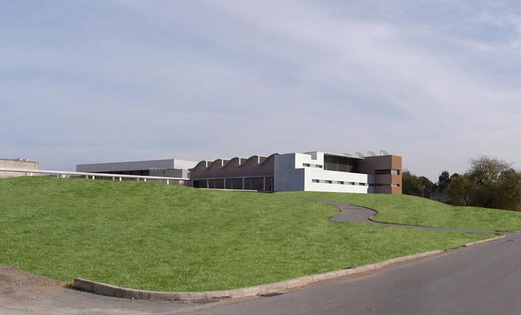 Piscina Cubierta y Centro de Investigación UPO